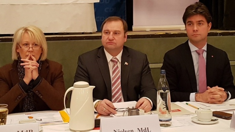 Astrid Damerow (MdB), Kreisvorsitzender Volker Nielsen (MdL), Mark Helfrich (MdB)