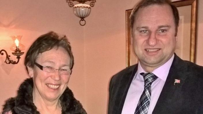Vorsitzende der Kirchenkreissynode, Gunhild Maume und Kreisvorsitzender Volker Nielsen