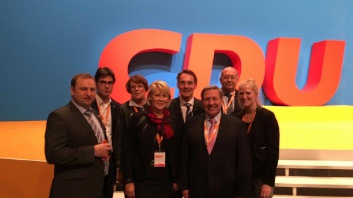 Von links: Dithmarschens CDU Kreisvorsitzender Volker Nielsen, MdB Mark Helfrich, Ina Nagel, Stellv. Vorsitzende Dithmarschen, Astrid Damerow MdL, Vorsitzende CDU NF, CDU Landesvorsitzender Ingbert Liebing, MdL Hans-Jörn Arp, Steinburg, Nordfrieslands Kre