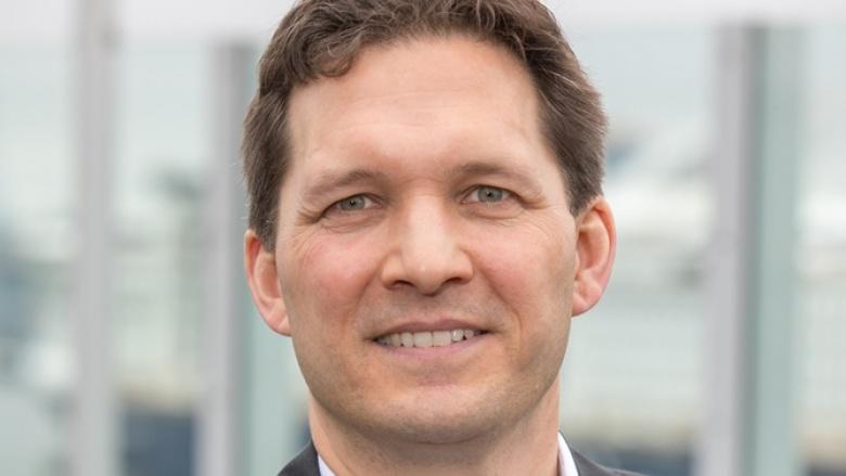Dr. Oliver Grundei